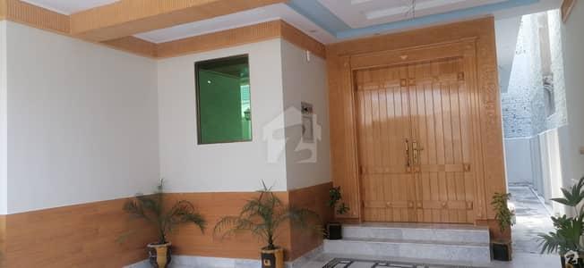 ورسک روڈ پشاور میں 7 کمروں کا 10 مرلہ مکان 5 کروڑ میں برائے فروخت۔