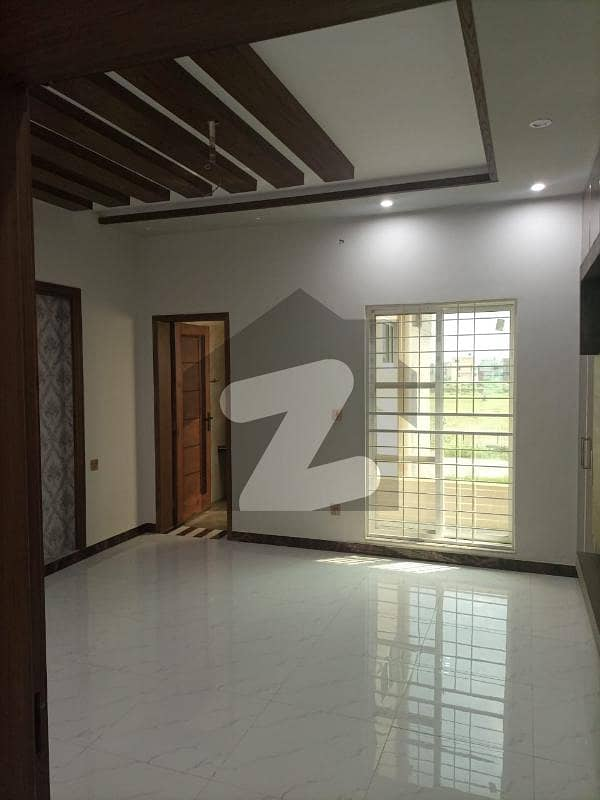 Hot Location 10 Marla Brand New House Is Available For Sale In Lda Avenue 1