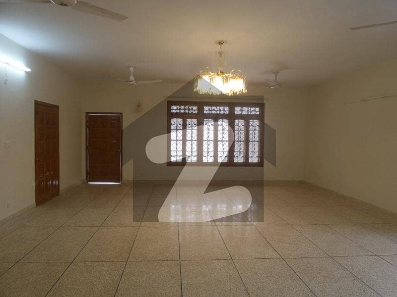 60x90 Safely Secure A House In I-8/2 At Best Price