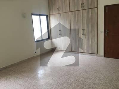 جی ۔ 6 اسلام آباد میں 4 کمروں کا 3 کنال مکان 4.25 لاکھ میں کرایہ پر دستیاب ہے۔