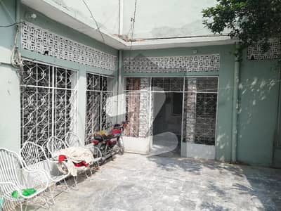 6 Marla House For Sale On University Road At Near To Main Road