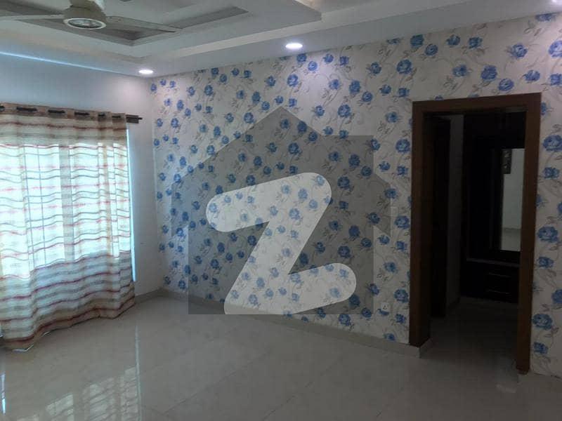 بحریہ ٹاؤن فیز 8 ۔ رفیع بلاک بحریہ ٹاؤن فیز 8 بحریہ ٹاؤن راولپنڈی راولپنڈی میں 3 کمروں کا 5 مرلہ مکان 1.22 کروڑ میں برائے فروخت۔
