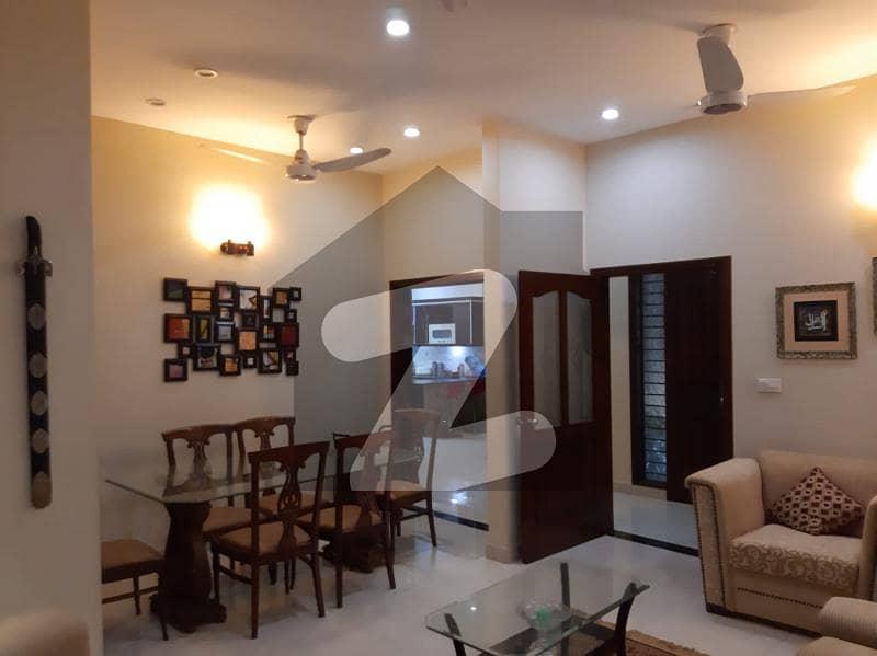 ڈی ایچ اے فیز 7 ایکسٹینشن ڈی ایچ اے ڈیفینس کراچی میں 4 کمروں کا 5 مرلہ مکان 1.2 لاکھ میں کرایہ پر دستیاب ہے۔