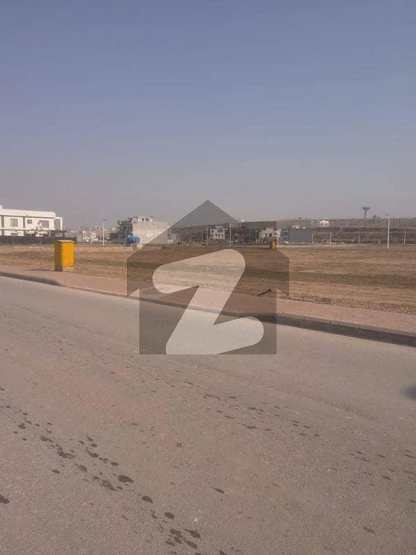 بحریہ ٹاؤن فیز 8 ۔ بلاک جی بحریہ ٹاؤن فیز 8 بحریہ ٹاؤن راولپنڈی راولپنڈی میں 10 مرلہ رہائشی پلاٹ 78 لاکھ میں برائے فروخت۔