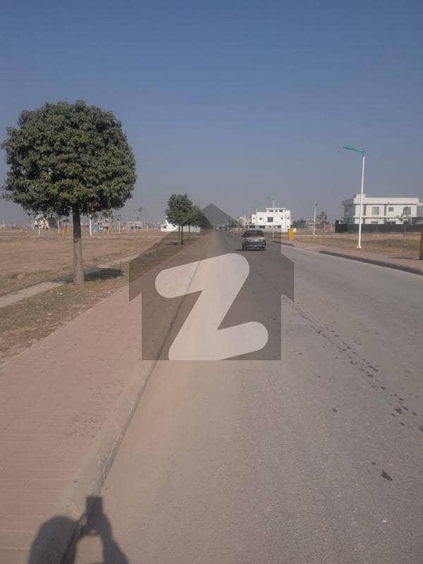 بحریہ ٹاؤن فیز 8 ۔ بلاک آئی بحریہ ٹاؤن فیز 8 بحریہ ٹاؤن راولپنڈی راولپنڈی میں 10 مرلہ رہائشی پلاٹ 92 لاکھ میں برائے فروخت۔