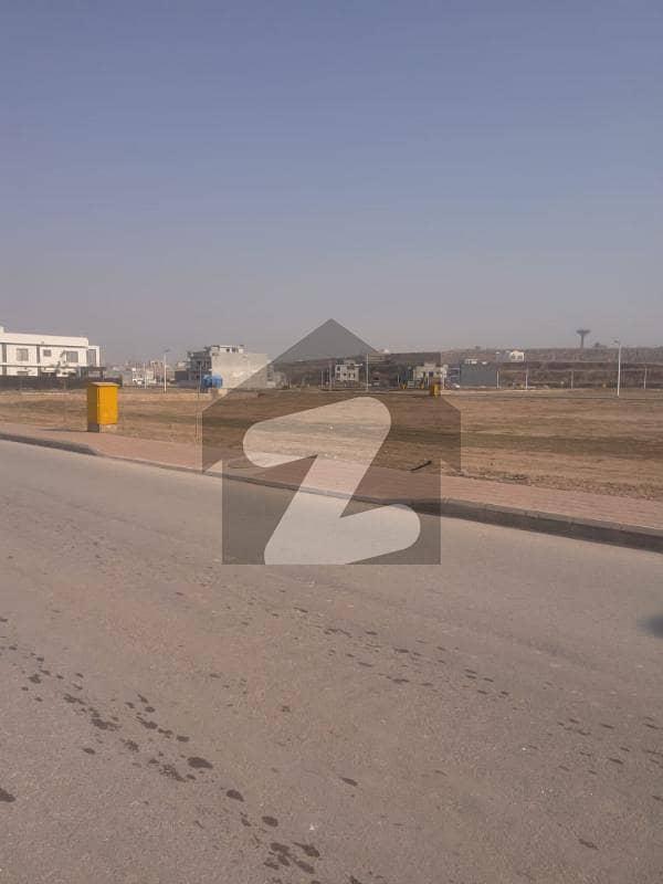 بحریہ ٹاؤن فیز 8 ۔ بلاک ایل بحریہ ٹاؤن فیز 8 بحریہ ٹاؤن راولپنڈی راولپنڈی میں 10 مرلہ رہائشی پلاٹ 78 لاکھ میں برائے فروخت۔