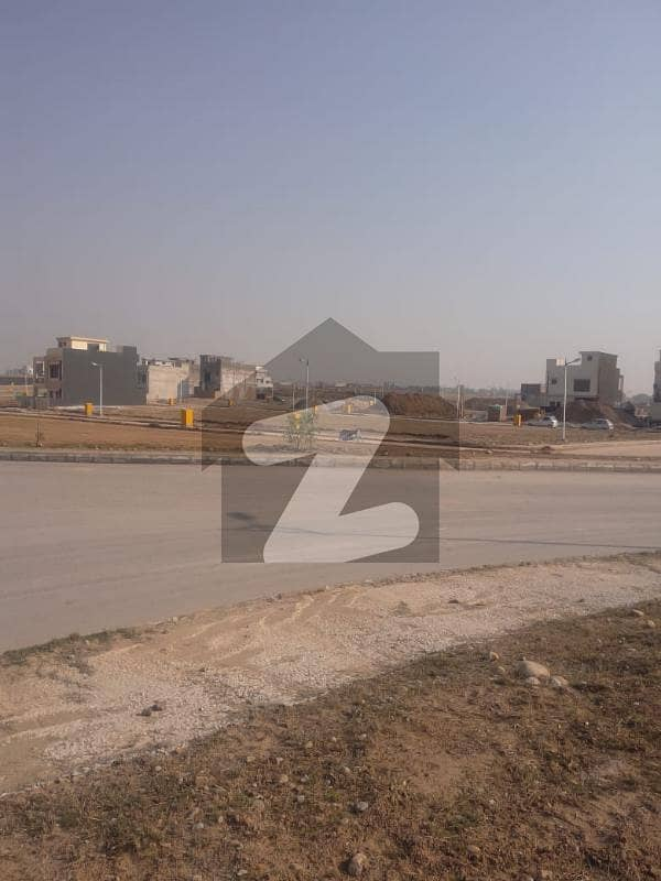 بحریہ ٹاؤن فیز 8 ۔ بلاک ایم بحریہ ٹاؤن فیز 8 بحریہ ٹاؤن راولپنڈی راولپنڈی میں 5 مرلہ رہائشی پلاٹ 60 لاکھ میں برائے فروخت۔