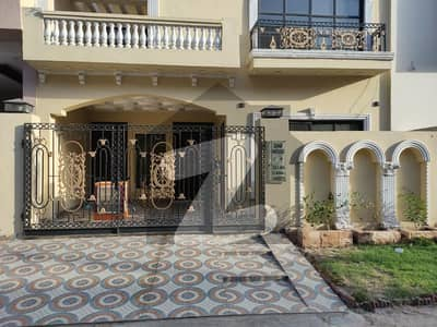 Five Marla Spanish Villa Owner Built Double Unite For Sale In Canal Garden Lhr