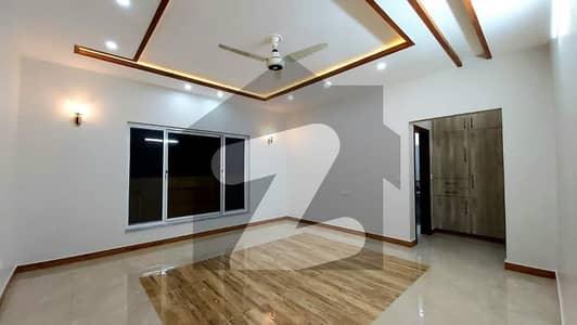 بحریہ اسکوائر کمرشل بحریہ ٹاؤن فیز 7 بحریہ ٹاؤن راولپنڈی راولپنڈی میں 2 کمروں کا 3 مرلہ فلیٹ 45 لاکھ میں برائے فروخت۔