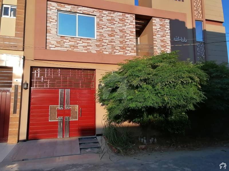 سینٹرل پارک ۔ بلاک بی سینٹرل پارک ہاؤسنگ سکیم لاہور میں 3 کمروں کا 3 مرلہ مکان 70 لاکھ میں برائے فروخت۔