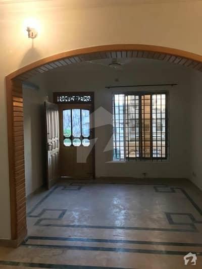 ای ۔ 11 اسلام آباد میں 8 کمروں کا 10 مرلہ مکان 3.8 کروڑ میں برائے فروخت۔