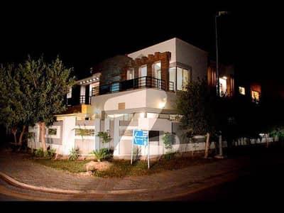 بحریہ ٹاؤن نشتر بلاک بحریہ ٹاؤن سیکٹر ای بحریہ ٹاؤن لاہور میں 5 کمروں کا 1 کنال مکان 4.75 کروڑ میں برائے فروخت۔