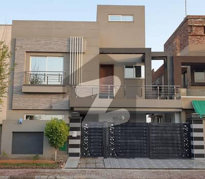 10 Marla Double Story House For Sale At Ideal Location Of Bahria Town