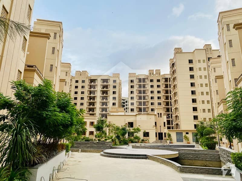 جناح ایونیو کراچی میں 3 کمروں کا 6 مرلہ فلیٹ 1.47 کروڑ میں برائے فروخت۔