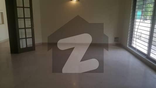 ایف ۔ 7 اسلام آباد میں 7 کمروں کا 1.47 کنال مکان 4.5 لاکھ میں کرایہ پر دستیاب ہے۔
