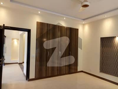 Defence One Kanal Upper Portion For Rent In Dha Lahore With Separate Gate