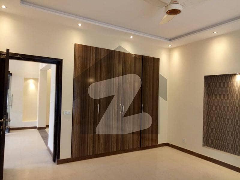 ڈی ایچ اے فیز 2 - بلاک کیو فیز 2 ڈیفنس (ڈی ایچ اے) لاہور میں 3 کمروں کا 1 کنال بالائی پورشن 60 ہزار میں کرایہ پر دستیاب ہے۔