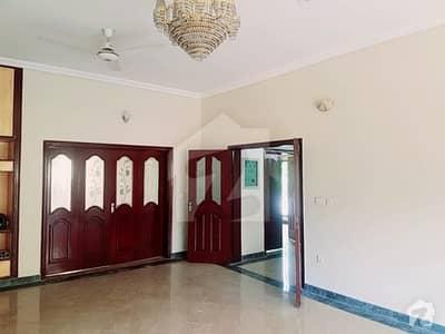 ابدالینز سوسائٹی ۔ بلاک بی ابدالینزکوآپریٹو ہاؤسنگ سوسائٹی لاہور میں 8 کمروں کا 1 کنال مکان 5.25 کروڑ میں برائے فروخت۔