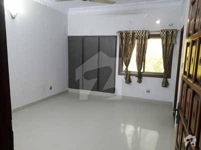 کلفٹن کراچی میں 5 کمروں کا 10 مرلہ مکان 6.25 کروڑ میں برائے فروخت۔