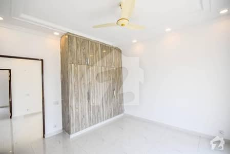 ڈی ایچ اے 9 ٹاؤن ڈیفنس (ڈی ایچ اے) لاہور میں 3 کمروں کا 5 مرلہ مکان 2 کروڑ میں برائے فروخت۔