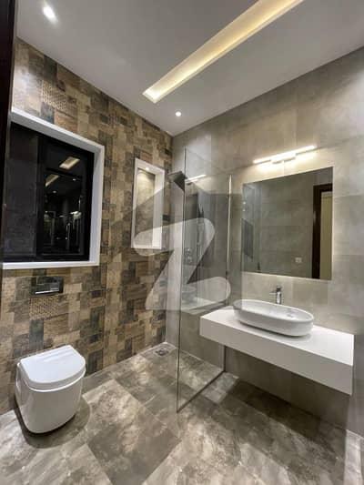ڈی ایچ اے 9 ٹاؤن ڈیفنس (ڈی ایچ اے) لاہور میں 3 کمروں کا 5 مرلہ مکان 2.15 کروڑ میں برائے فروخت۔