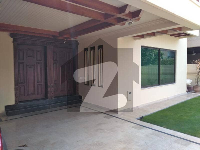 ای ۔ 11/3 ای ۔ 11 اسلام آباد میں 6 کمروں کا 1 کنال مکان 9.5 کروڑ میں برائے فروخت۔