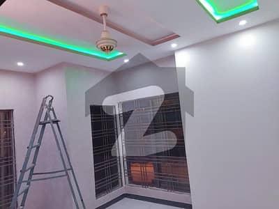 بحریہ ٹاؤن ۔ سفاری ولاز بحریہ ٹاؤن راولپنڈی راولپنڈی میں 4 کمروں کا 7 مرلہ مکان 1.86 کروڑ میں برائے فروخت۔