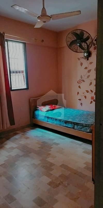 لیاری ٹاؤن کراچی میں 3 کمروں کا 4 مرلہ فلیٹ 28 لاکھ میں برائے فروخت۔