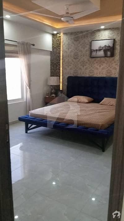 شہید ملت روڈ کراچی میں 4 کمروں کا 11 مرلہ فلیٹ 3.8 کروڑ میں برائے فروخت۔