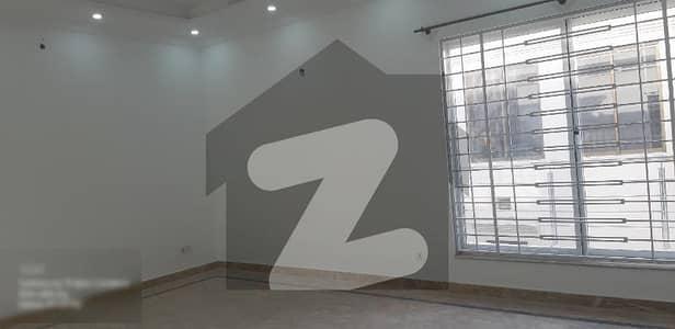 ای ۔ 11 اسلام آباد میں 7 کمروں کا 1 کنال مکان 11.5 کروڑ میں برائے فروخت۔