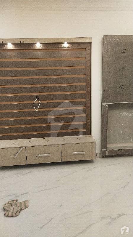 گرینڈ ایوینیوز ہاؤسنگ سکیم لاہور میں 2 کمروں کا 5 مرلہ مکان 67 لاکھ میں برائے فروخت۔