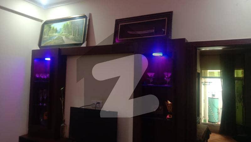 یونیورسٹی ٹاؤن پشاور میں 3 کمروں کا 6 مرلہ فلیٹ 1.1 کروڑ میں برائے فروخت۔