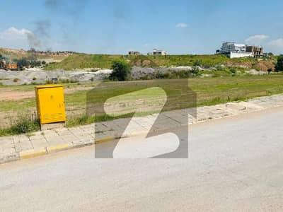 بحریہ ٹاؤن فیز 8 ۔ بلاک پی بحریہ ٹاؤن فیز 8 بحریہ ٹاؤن راولپنڈی راولپنڈی میں 1 کنال رہائشی پلاٹ 1.45 کروڑ میں برائے فروخت۔