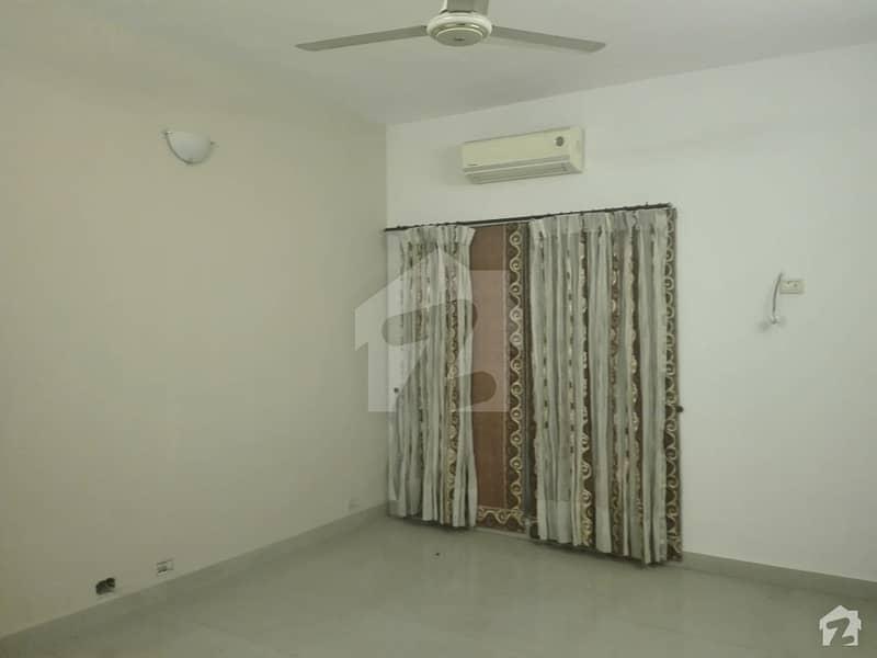 پاک عرب ہاؤسنگ سوسائٹی لاہور میں 3 کمروں کا 3 مرلہ مکان 38 ہزار میں کرایہ پر دستیاب ہے۔