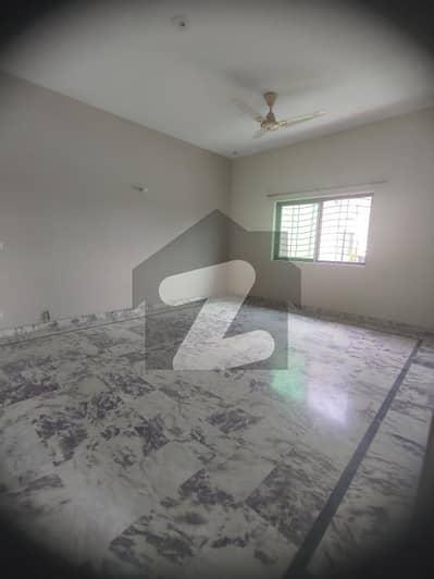 سوئی گیس ہاؤسنگ سوسائٹی لاہور میں 3 کمروں کا 1 کنال بالائی پورشن 55 ہزار میں کرایہ پر دستیاب ہے۔