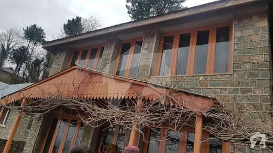 10575 Square Feet House In Jhika Gali For Sale