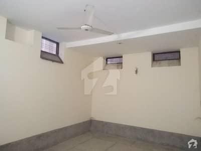 حیات آباد فیز 1 حیات آباد پشاور میں 7 کمروں کا 5 مرلہ مکان 74 ہزار میں کرایہ پر دستیاب ہے۔