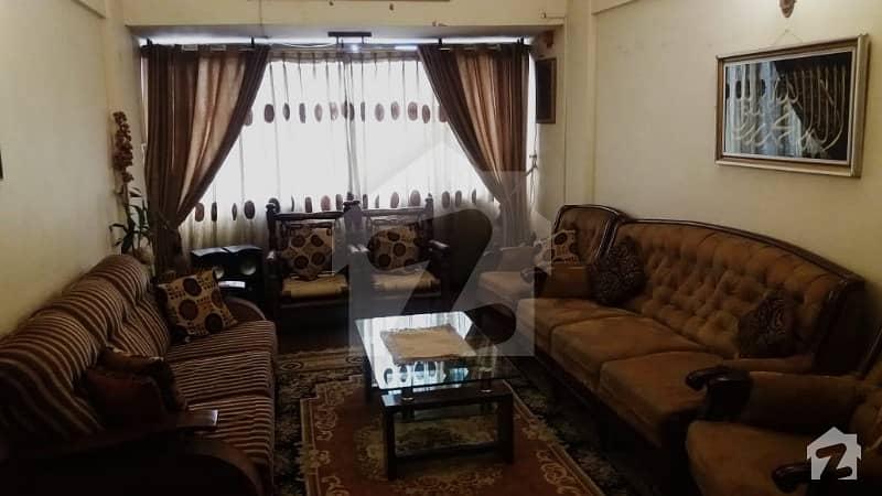 گلشنِ اقبال - بلاک 3 گلشنِ اقبال گلشنِ اقبال ٹاؤن کراچی میں 3 کمروں کا 6 مرلہ فلیٹ 1.1 کروڑ میں برائے فروخت۔