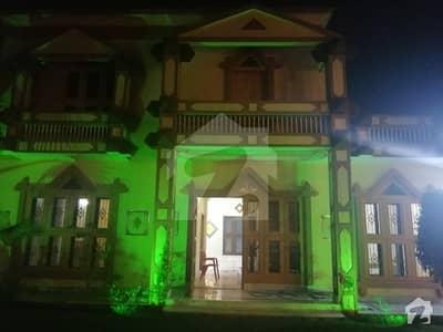 خیابان کالونی 2 فیصل آباد میں 4 کمروں کا 1.05 کنال مکان 3 کروڑ میں برائے فروخت۔