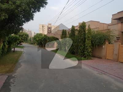 Askari 11 - Sector B House Sized 4500 Square Feet