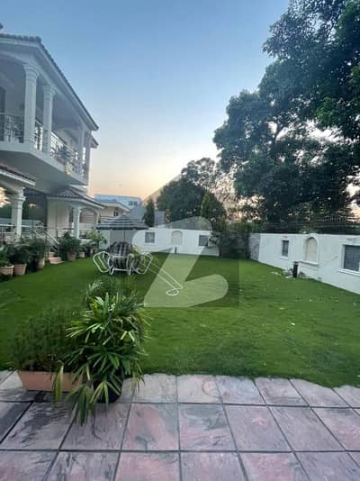 Having 12 Bed Rooms Gorgeous House In F-7 3 Islamabad