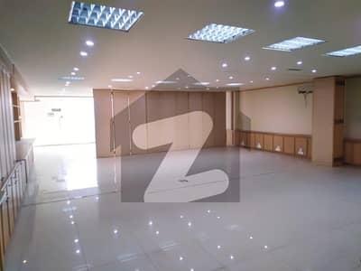 جی ۔ 8 اسلام آباد میں 11 مرلہ عمارت 18.5 کروڑ میں برائے فروخت۔