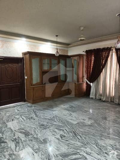 کینال روڈ فیصل آباد میں 5 کمروں کا 1 کنال مکان 2 لاکھ میں کرایہ پر دستیاب ہے۔