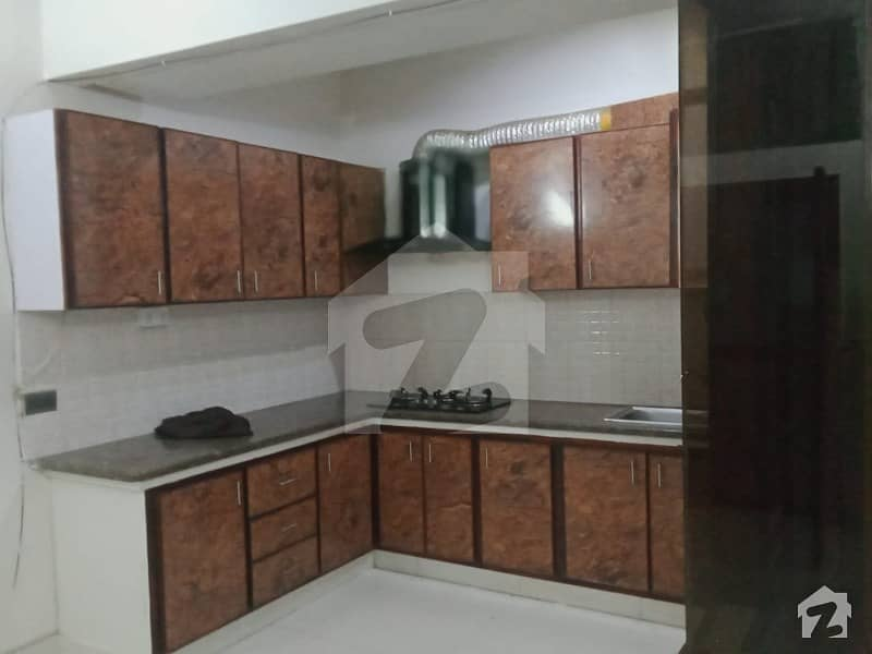 100 Sq Yards Portion For Rent