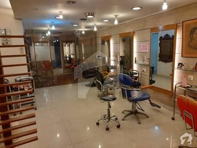 ڈی ایچ اے فیز 5 ڈی ایچ اے کراچی میں 4 مرلہ دفتر 2 کروڑ میں برائے فروخت۔