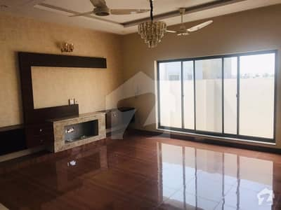 10 Marla Luxurious Bungalow For Rent In Dha Phase 3