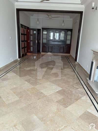 F-6  Urgent 1119 Sq Yards Corner House Is Available For Sale