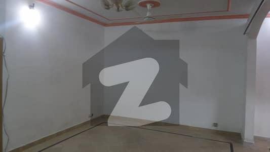 ایف ۔ 11 اسلام آباد میں 5 کمروں کا 9 مرلہ مکان 6 کروڑ میں برائے فروخت۔