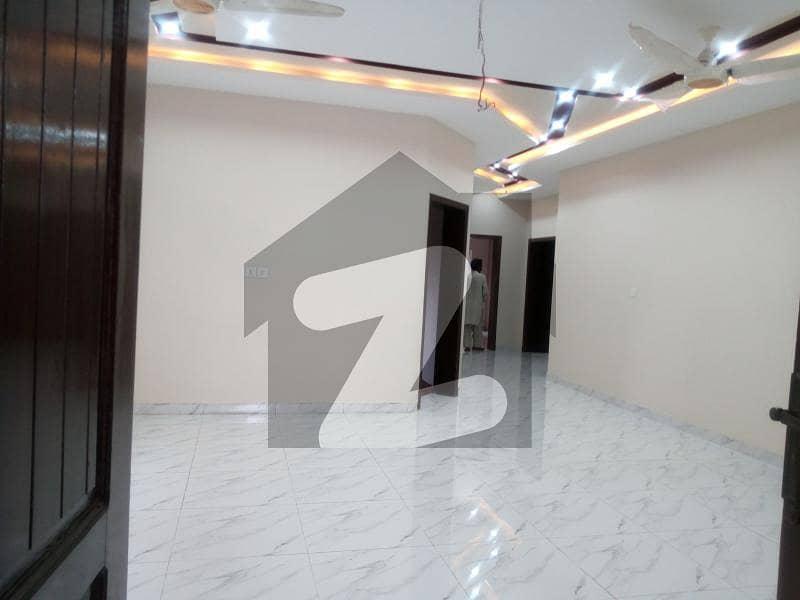 اسٹیٹ لائف ہاؤسنگ فیز 1 اسٹیٹ لائف ہاؤسنگ سوسائٹی لاہور میں 6 کمروں کا 13 مرلہ مکان 3.1 کروڑ میں برائے فروخت۔