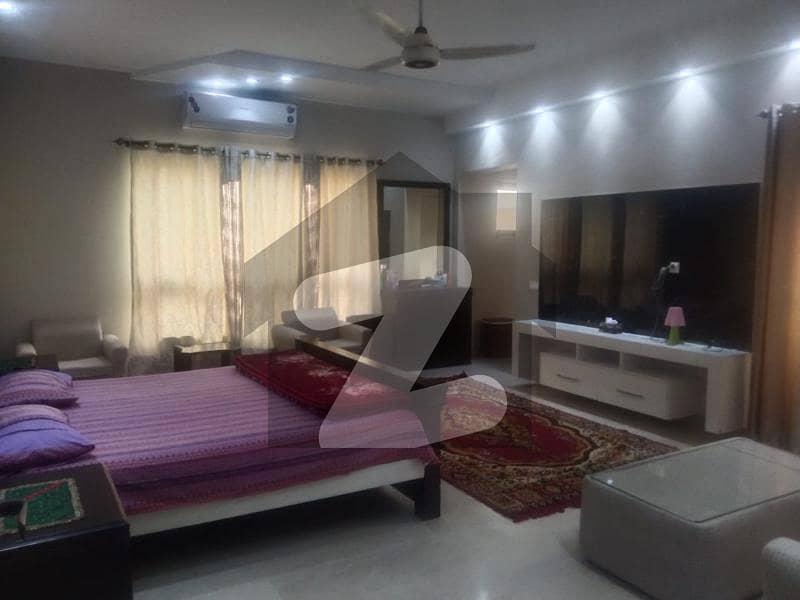 ڈی ایچ اے فیز 2 ڈیفنس (ڈی ایچ اے) لاہور میں 2 کمروں کا 2 کنال بالائی پورشن 1.5 لاکھ میں کرایہ پر دستیاب ہے۔
